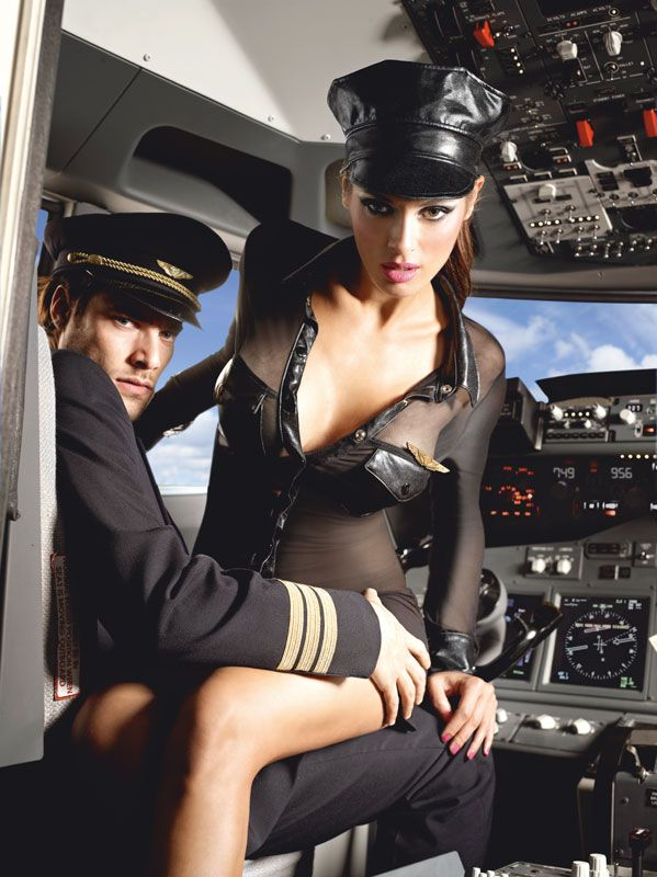 Stewardesseuniform inkl. hat og emblem (#1217)