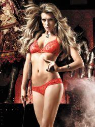 Baci Lingerie - Rødt bikini-sæt med trekants-bh og trusse i prikdesign (#714)